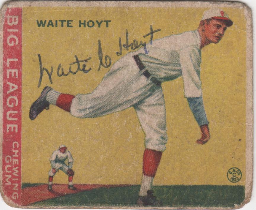 1933 Goudey autographed by Waite Hoyt