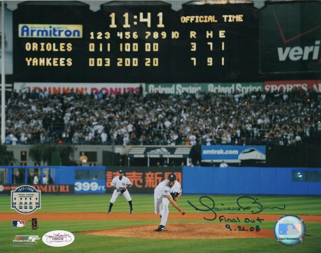 Mariano closes out the final game at old Yankee Stadium