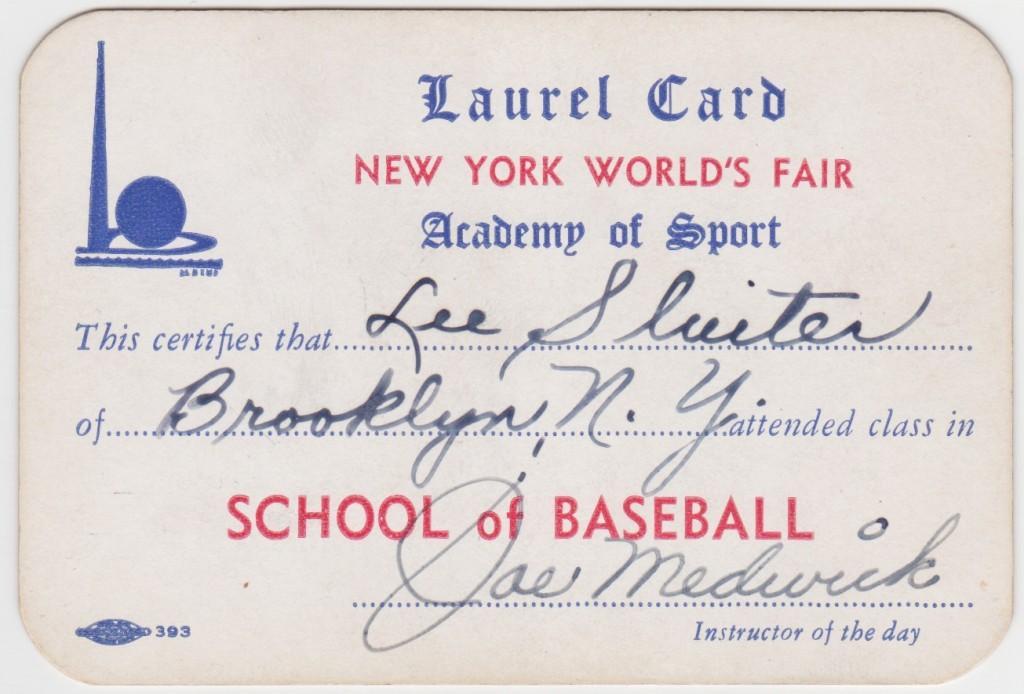1939 World's Fair Laurel Card signed by Joe Medwick