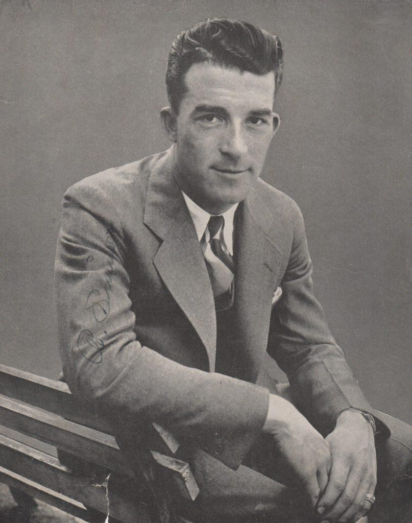 Autographed photo of Al Simmons in street clothes