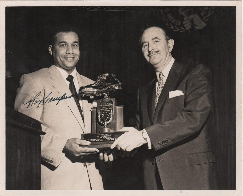Original pre-accident Roy Campanella autograph