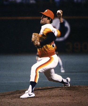 Lynn Nolan Ryan pitching as a Houston Astro